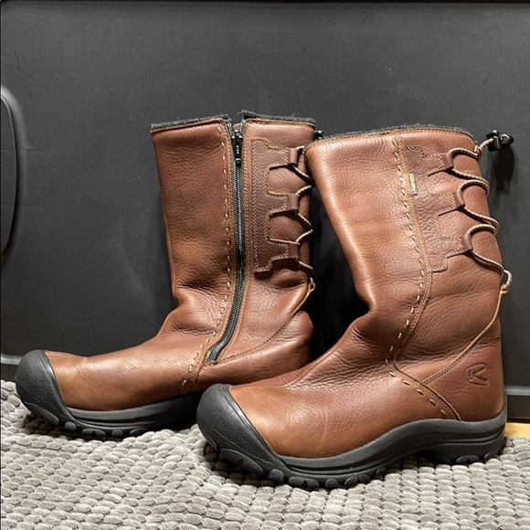 KEEN DRY LEATHER BOOTS SZ 6.5
